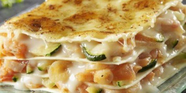 Ricetta delle lasagne con pesce, porri e zucchine