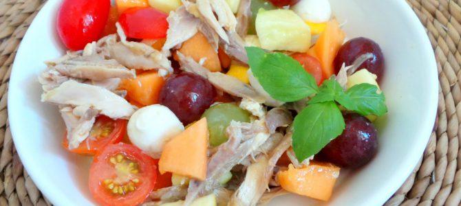 Ricetta della tagliata di pollo con uva in insalata