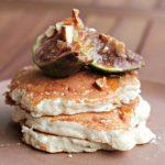 pancakes con caprino e marmellata di fichi